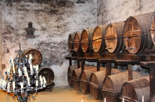Pogreb s ispanskim vinom